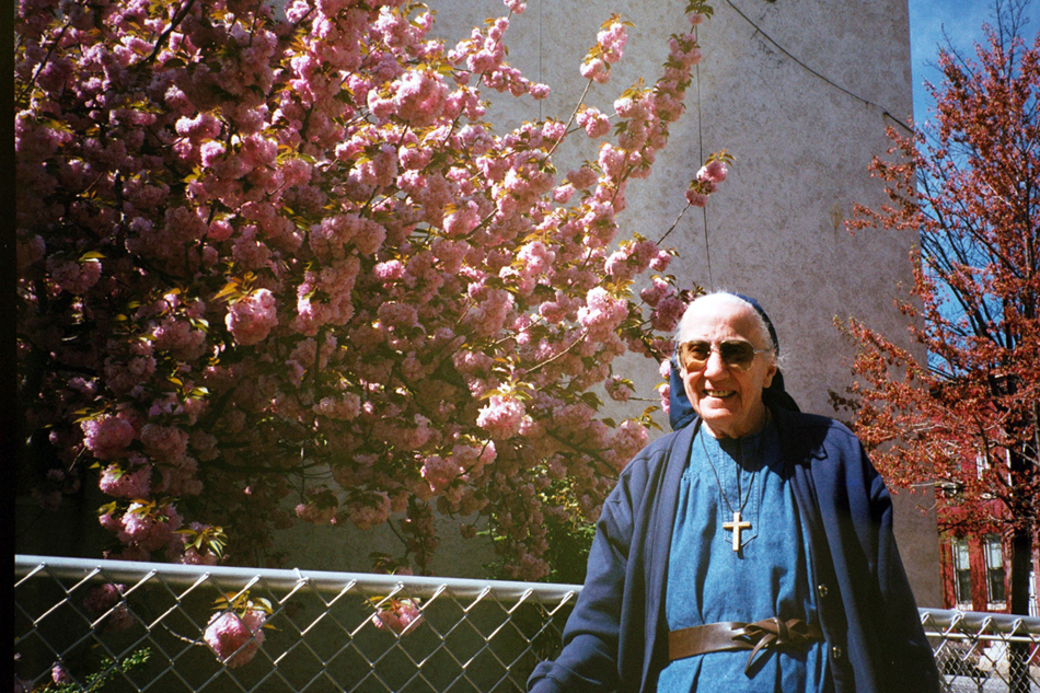 Sr. Mary Elizabeth Gintling visiting the Immaculate in 1999.